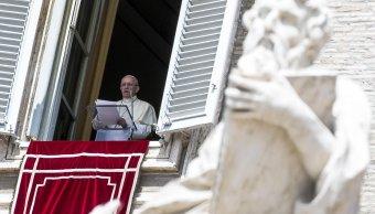 Papa pide liberar al mundo de la violencia inhumana del terrorismo