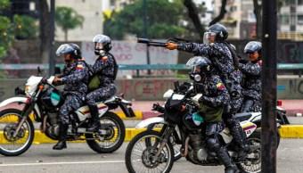 Policía de Venezuela impide con gases marcha contra la Constituyente