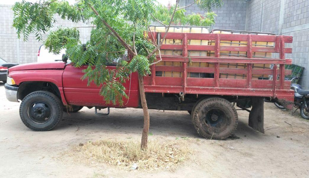 Autoridades en Sinaloa aseguran gasolina y un vehículo en Navolato