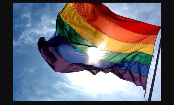 permite rusia bandera gay mundial 2018