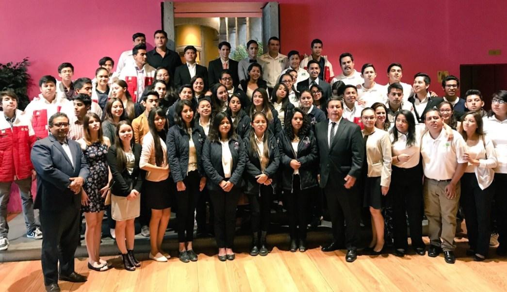 gracias becalos 168 alumnos estudiaran cuatrimestre eu