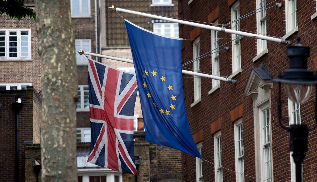La UE espera terminar negociaciones del Brexit en otoño