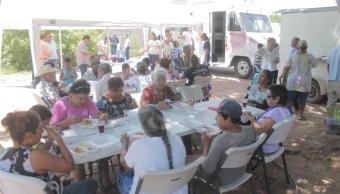 cientos de personas acuden a comedores comunitarios en guaymas