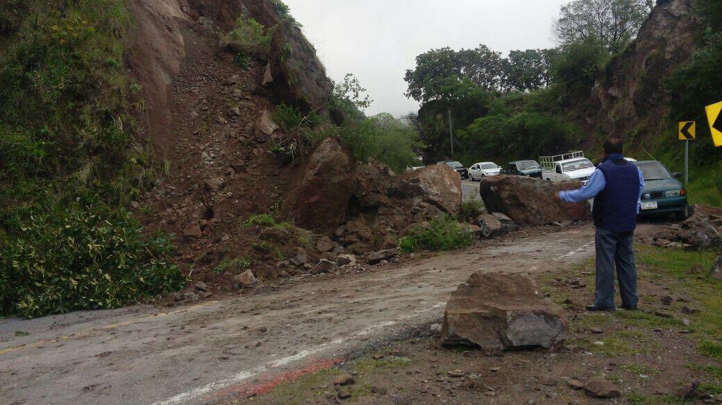Deslave en el libramiento Chilpancingo-Tixtla, en Guerrero