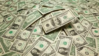 Dólar se venden en 18-01 pesos en Ciudad de México