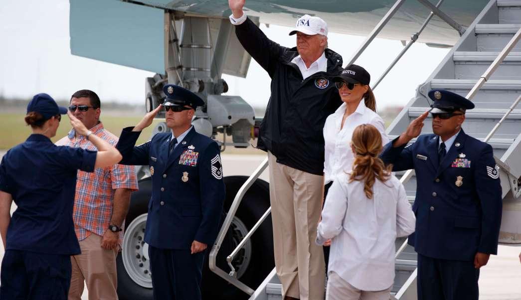 Donald y Melania Trump aterrizan en Corpus Christi, Texas