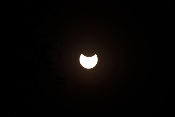 Cofepris emiten recomendaciones para ver el eclipse de sol del lunes