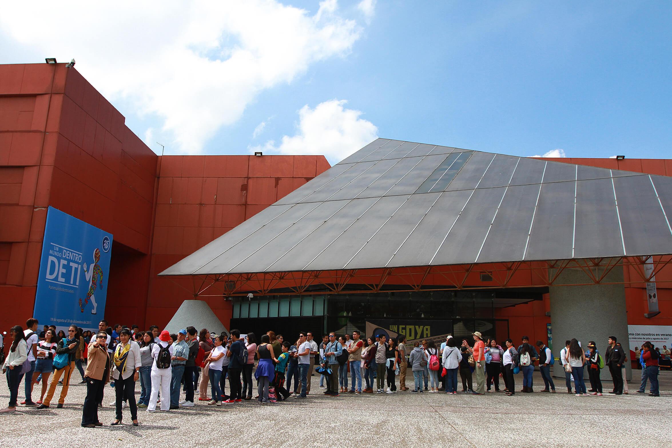 Observación del eclipse en la UNAM