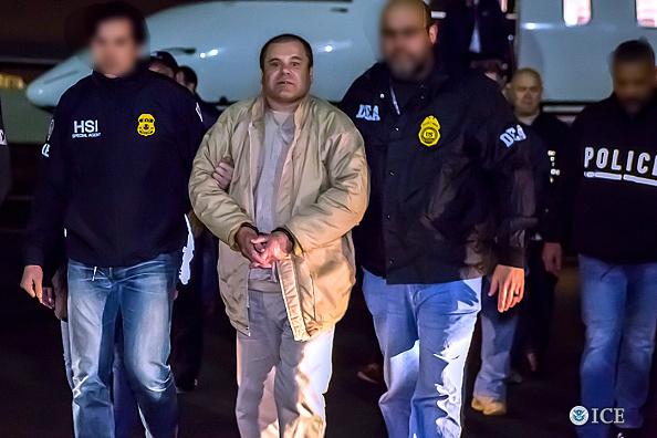 el chapo guzman es trasladado a una carcel
