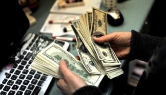 El dólar se vende en 18-10 pesos en Ciudad de México