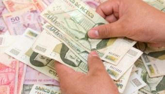 El dólar se vende en 18 05 pesos en bancos