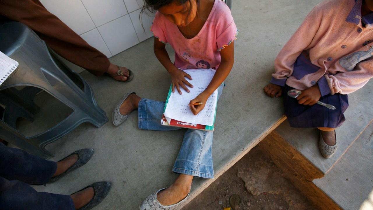 Afores invierten en bonos para mejorar las escuelas