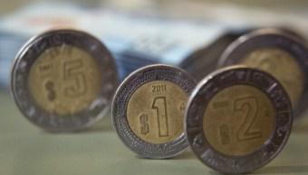El peso mexicano retrocede tras indicadores económicos de Estados Unidos