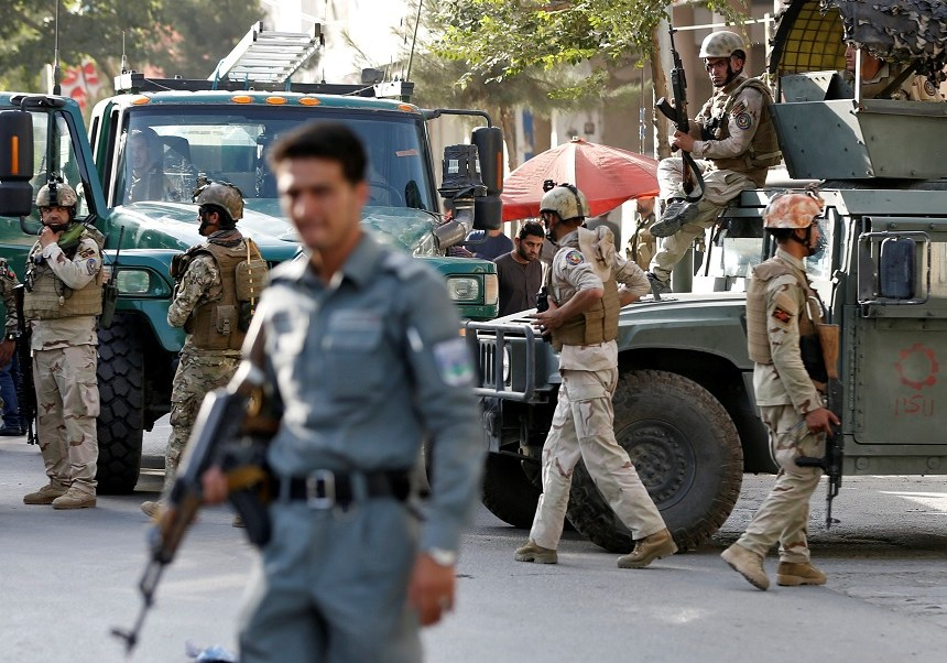 fuerzas seguridad afganas acuden ataque suicida