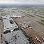 Aeropuertos Houston reanudan operaciones paso Harvey