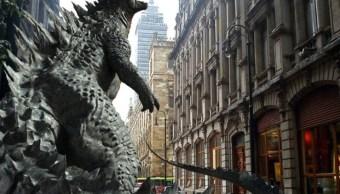 """Calles del Centro Histórico permanecen cerradas por la grabación de """"Godzilla"""""""