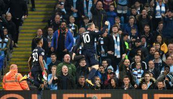 Wayne Rooney marca su gol 200 premier league