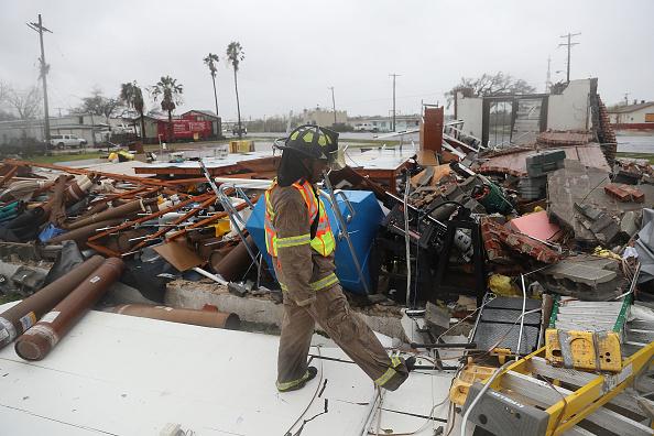 Huracán 'Harvey' deja al menos un muerto a su paso por Texas