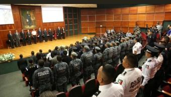 homenajean a miembros de la gendarmeria en michoacan