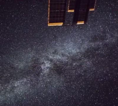 Encuentran una docena de agujeros negros al centro de la Vía Láctea