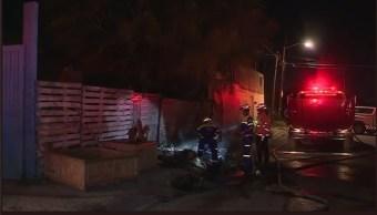 Se incendia camión cargado con tarimas en NL