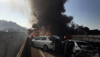 Accidente de varios vehiculos en Brasil