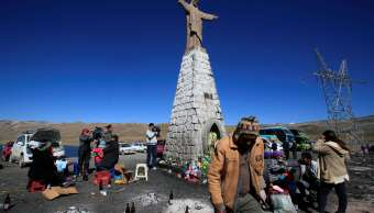 Indigenas bolivianos comienzan rituales mes Pachamama