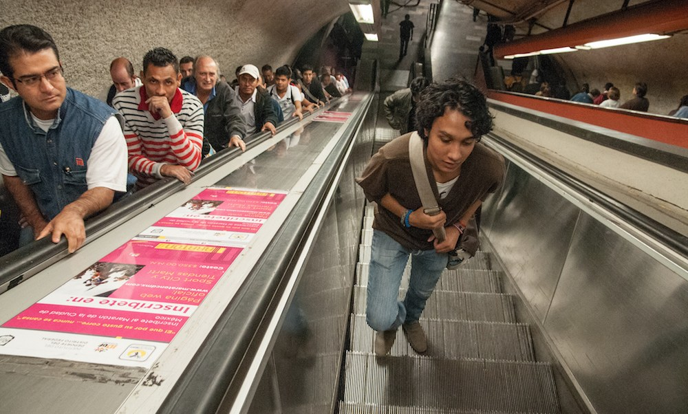 Niño pierde mano en escalera eléctrica en estación del Metro Tacubaya