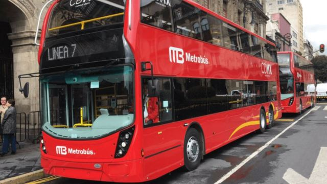 Venta de autobuses de doble piso para CDMX congratula a Theresa May