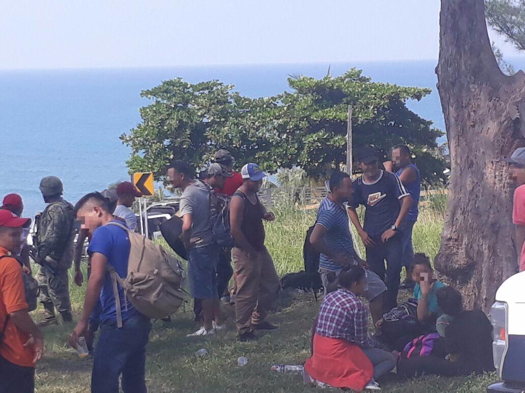 Rescatan en México a más de 100 migrantes centroamericanos