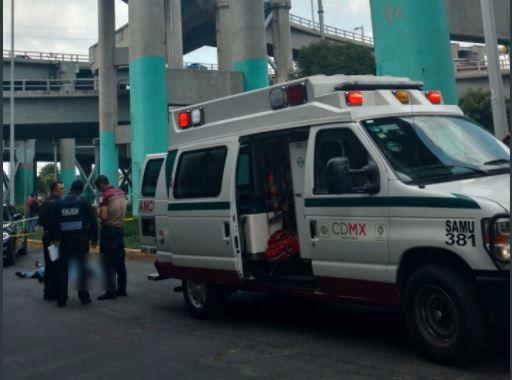 Muere motociclista al caer de distribuidor vial en la CDMX