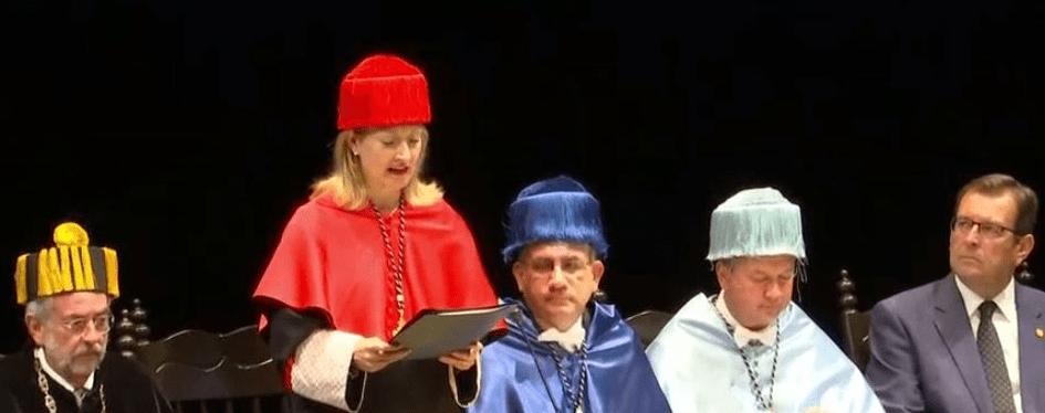 Otorga Universidad de Sevilla el doctorado Honoris Causa a Miguel León-Portilla