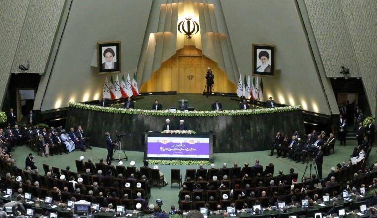 iran aprueba sanciones contra eu y fondos para programa balistico