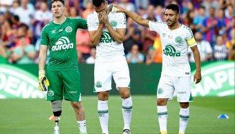 Sobrevivientes Chapecoense juega partido amistoso Barcelona