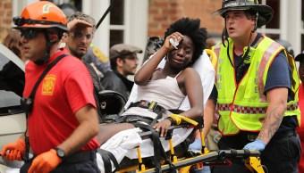 Automovilista atropella a manifestantes de supremacía blanca en Virginia; hay un muerto