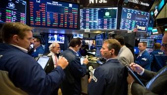 Acciones de Wall Street abren a la baja