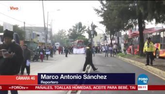 Padres de familia se manifiestan en San Juan de Aragón