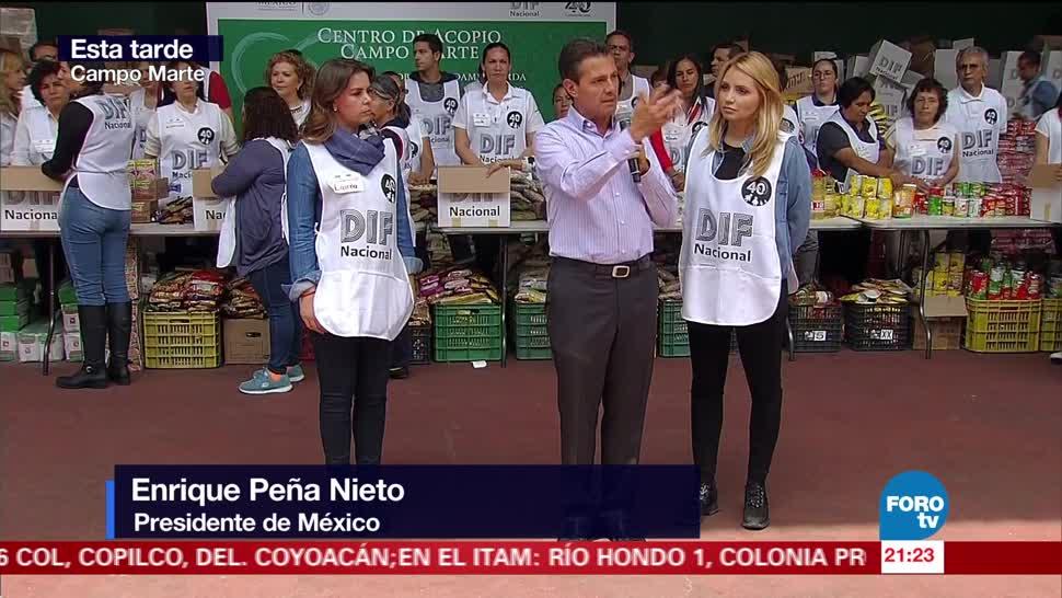 Peña Nieto visita centro de acopio en Campo Marte