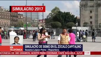 Realizan simulacro de sismo en el Zócalo de la Ciudad de México