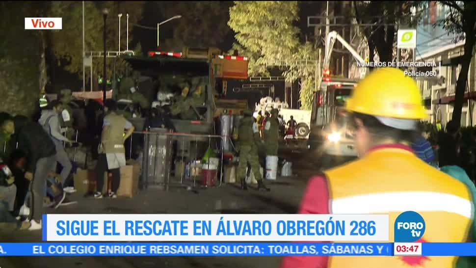 Esperan noticias de familiares atrapados en edificio de Álvaro Obregón