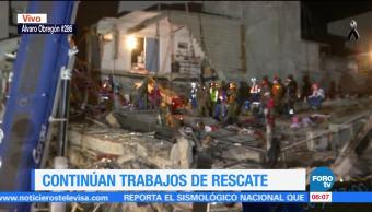 Ingresa grúa a Álvaro Obregón 268 para colaborar con rescate