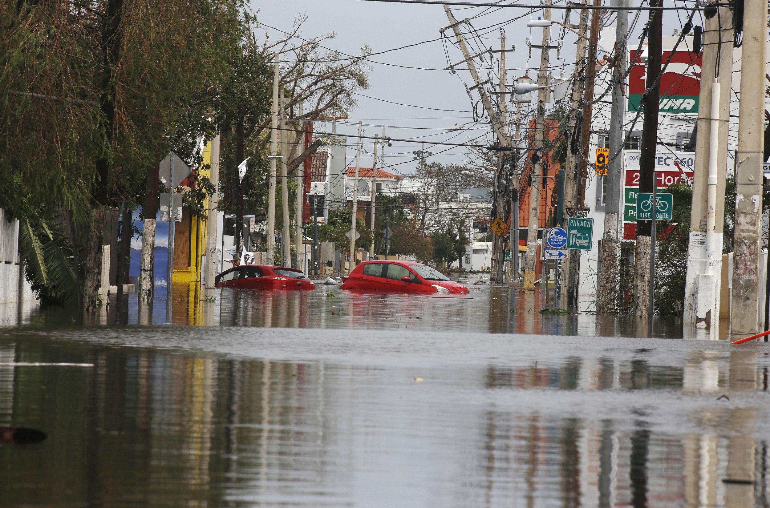 Huracán María y los daños en Puerto Rico y República Dominicana