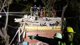 Colombia ofrece a México 30 rescatistas para apoyar labores tras el terremoto