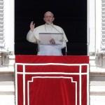 Papa Francisco muestra solidaridad a damnificados en EU y sur de Asia