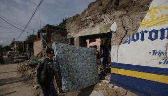 Voluntarios ayudan a morelenses tras sismo