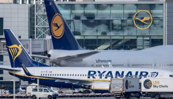 Avión de Ryanair en aeropuerto europeo