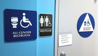 señalamiento para baños que permiten todos los generos
