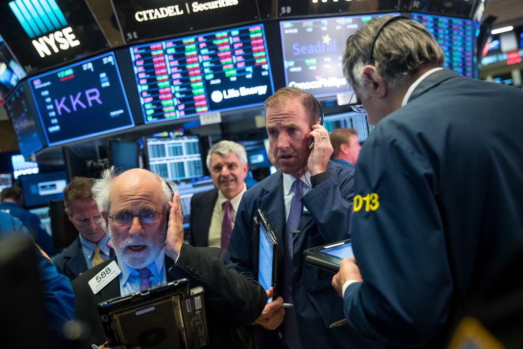 Wall Street cierra en alza mientras Irma se debilita