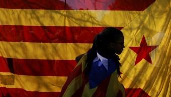400 curas catalanes piden al papa mediar para permitir referéndum de independencia