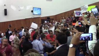 Golpes y gritos en el Congreso de San Luis Potosí